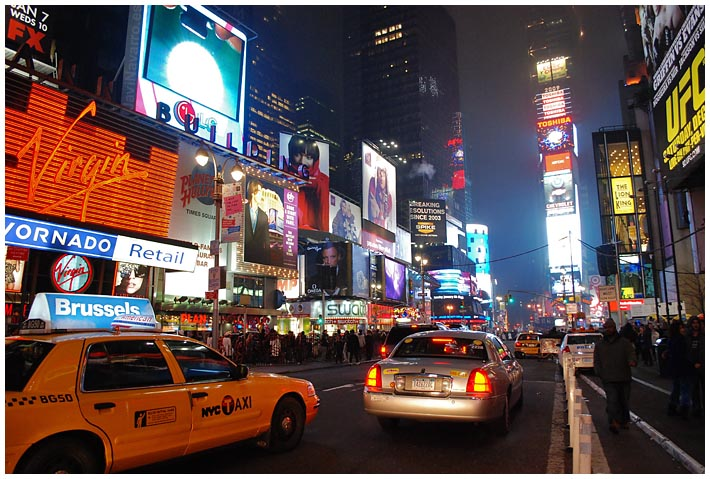 Times Square || Nikon D80 | 1/60s | f/3,5 | ISO 100 | a pulso